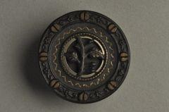 Antiker Messingknopf geschwärzt mit Zweig KMMB 05amE3-43