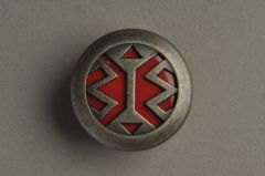 Metallknopf Zink altsilber mit rotem Kunststoffboden KMZN 94ar01-36
