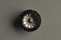Glasknopf schwarz silbern, Margerite und kleine Blüten KGOG 63ss03-28