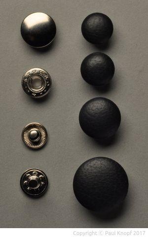 links von oben: Kappe, Federteil, Kugelteil, Niete; rechts von oben: 18''', 20''', 24''', 32'''