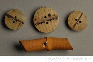 Knöpfe aus Bambus