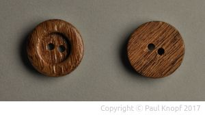 Knöpfe aus Eichenholz
